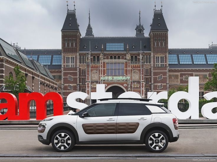 Citroen-C4_Cactus_2015_Side_Angle 2
