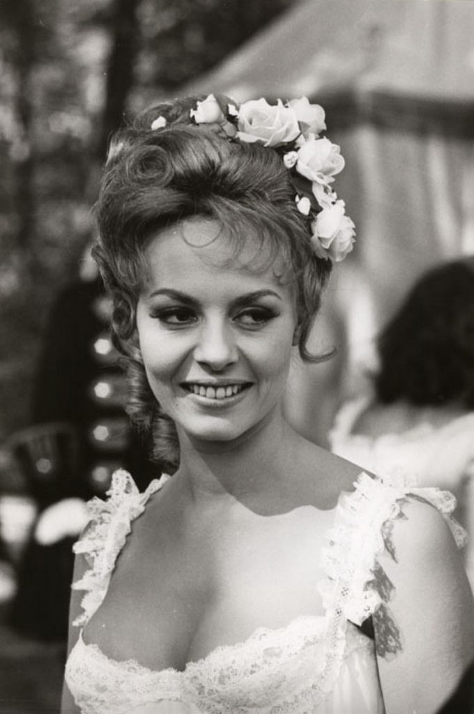 1965. Angelique et le roy (Анжелика и король) >  Мишель Мерсье - Michele Mercier