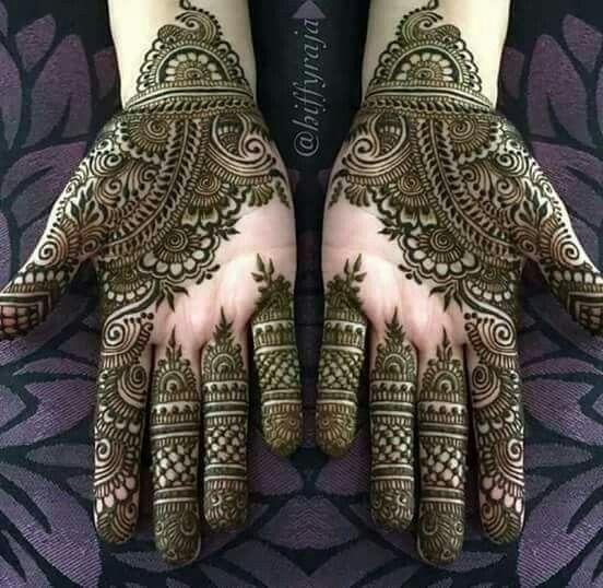 Love the design on fingers