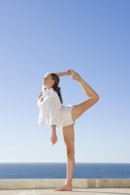 Cheerleading Exercises to Make Yourself Flexible Fast