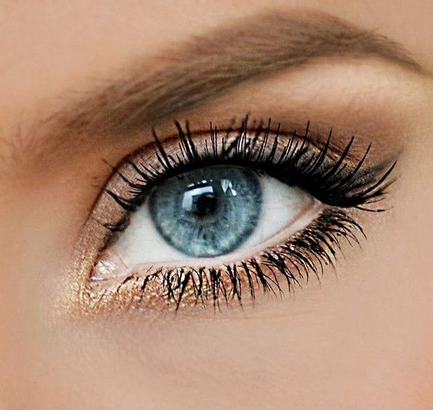 Cool makeup ideas for blue eyes (78 photos): Blue eyes makeup pretty bronze gold shadow in the inner corner of the eye