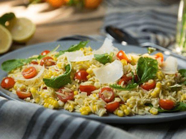 Salada de Orzo com Milho, Rúcula e Tomates-Cereja - Food Network