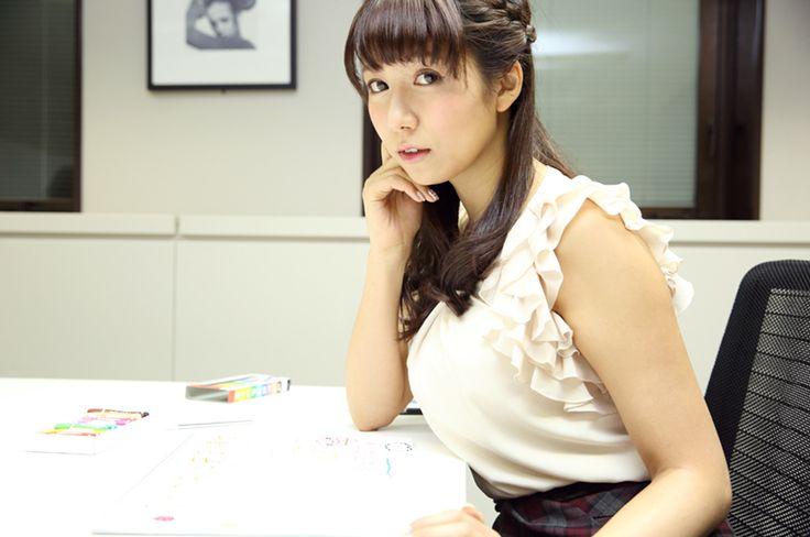 僕たちをサポートしてくれる、美しき女神たち──#10 穂川果音さん(気象予報士/タレント) | GQ JAPAN