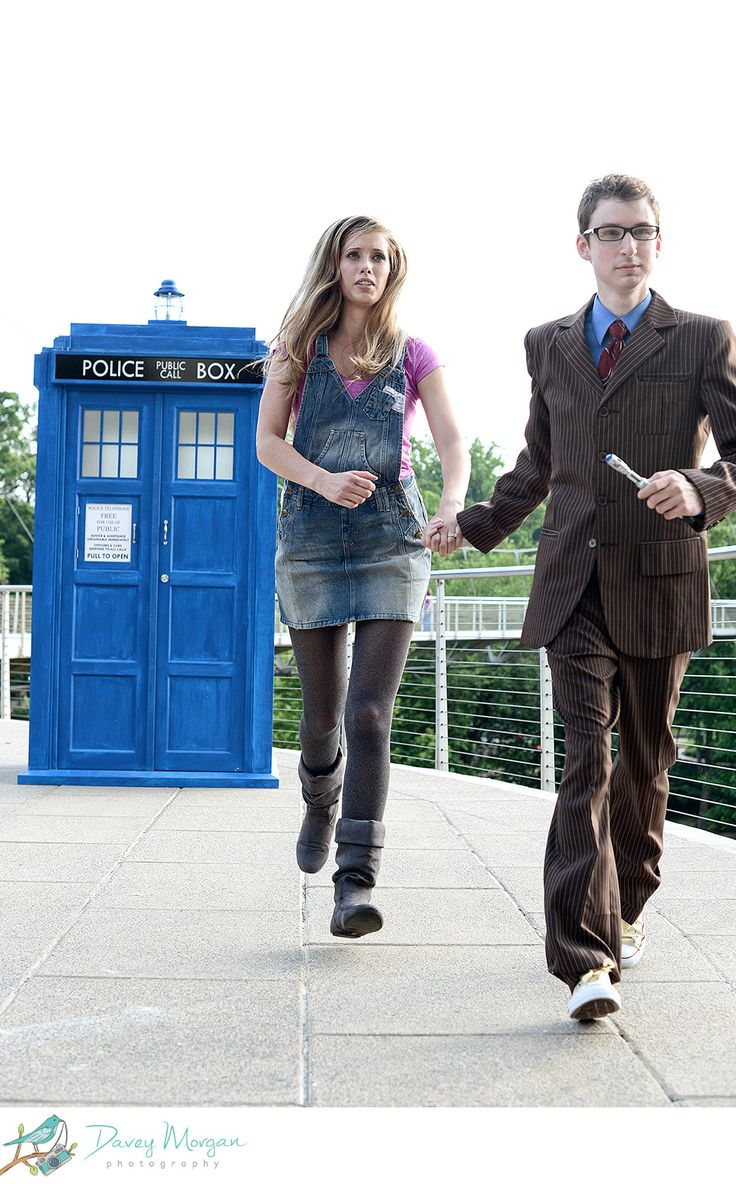 Adorable Doctor Who themed engagement shoot!