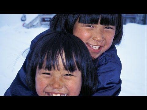 Video con imágenes y detalles de la vida de los inuits o esquimales