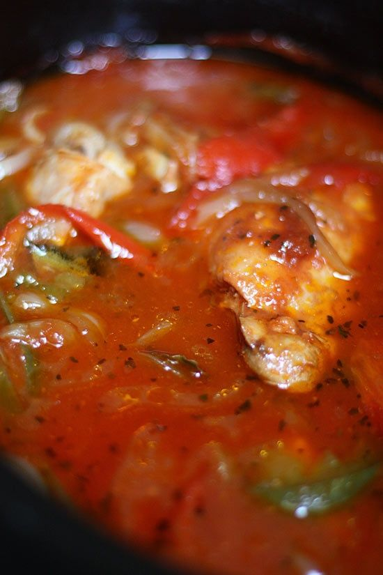 Crock Pot Chicken Cacciatore - i would leave off the green peps and double up on the red