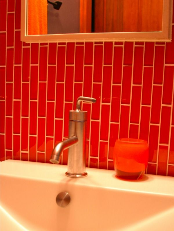 1000 images about red bathroom on pinterest for Red tile bathroom ideas
