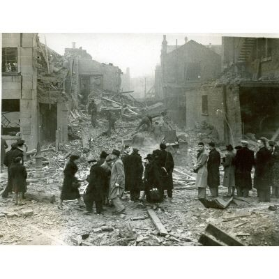Jones and Higgins, 1943. Black and white photograph depicting bomb damage on the site of the Jones and Higgins department Store on Rye Lane, Peckham in 1943.