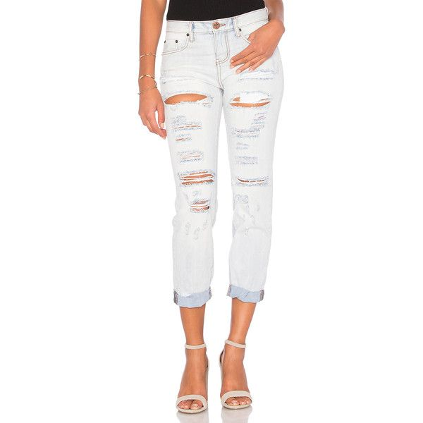 One Teaspoon Awesome Baggies ($105) ❤ liked on Polyvore featuring jeans, destructed boyfriend jeans, baggy jeans, white distressed jeans, destroyed boyfriend jeans and distressed jeans