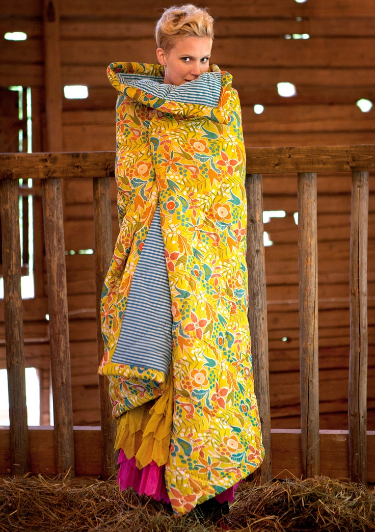 """""""Eva"""" hand-quilted cotton quilt Colourful clothes and home textiles in natural materials."""