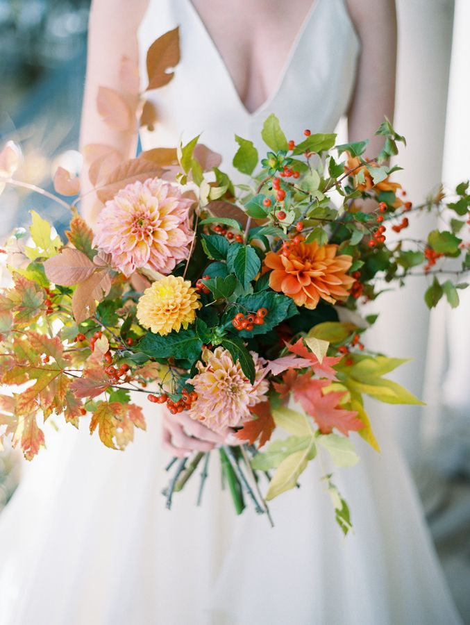 346 best images about colorful wedding bouquets on pinterest ranunculus peonies and wedding. Black Bedroom Furniture Sets. Home Design Ideas