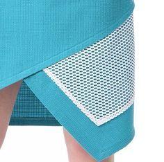 Все мы с интересом смотрим на фотографии из мира высокой моды и следим за трендами сезона. Но когда мы видим использование этих трендов в повседневной одежде, то это вдохновляет гораздо сильнее. Я хочу показать, как мастера с 'Ярмарки мастеров' используют в своих коллекциях сетку, причем не ту сетку, из которой шьются пышные юбки-пачки,а крупную сетку, которую стало возможно приобрести в магазинах тканей.