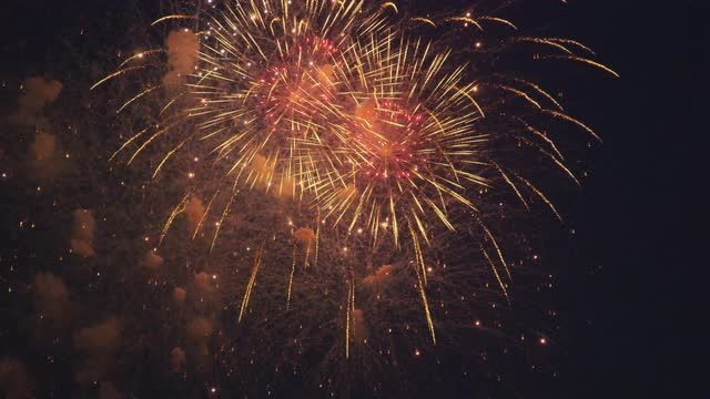 Exploding #Fireworks In The Sky #StockVideo Footage