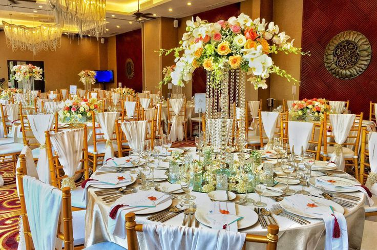 Committed in all the intricate details for your special day, we'll make sure that everything is exactly the way you want. As pictured here, our grand ballroom was designed with the utmost elegance and style.  www.sakalaresortbali.com  #Sakalabali #Sakalaresort #Sakalabeachclub #thesakalaresortbali