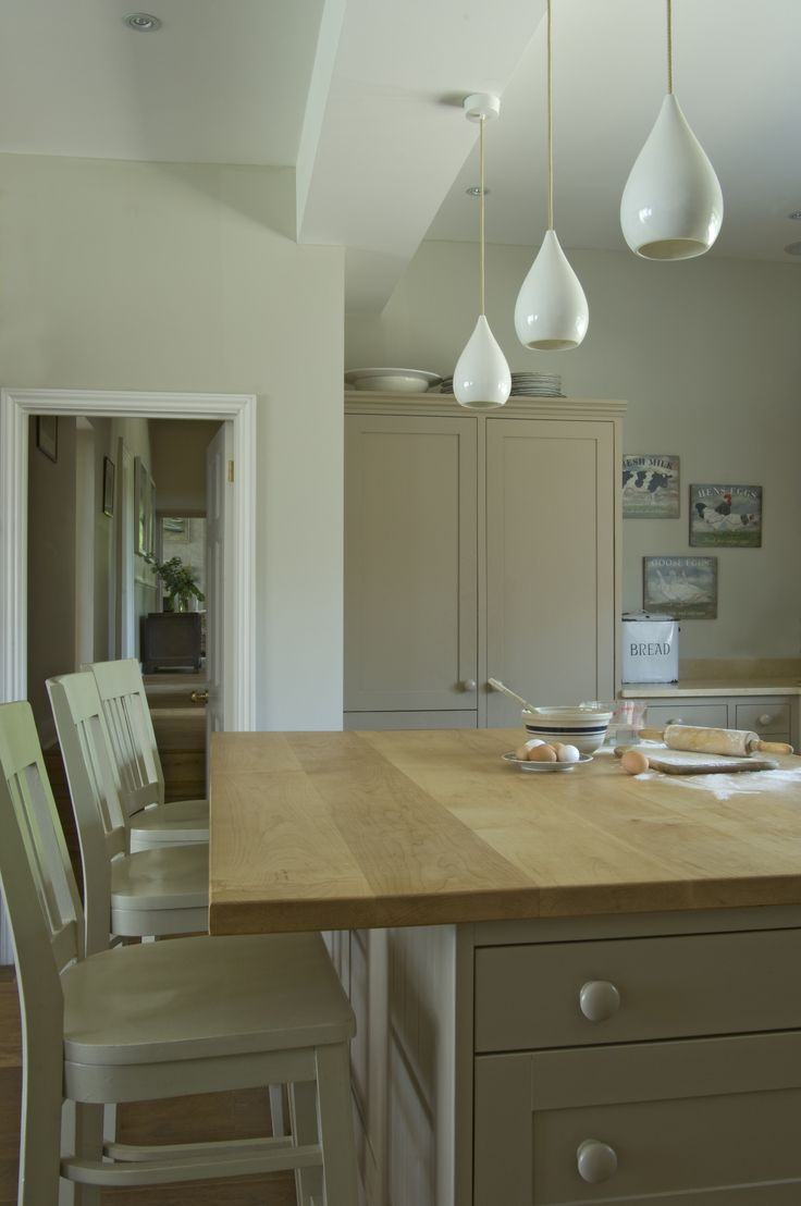 Wall in Farrow & Ball's Shaded White, Woodwork in London Stone, Ceiling in Strong White