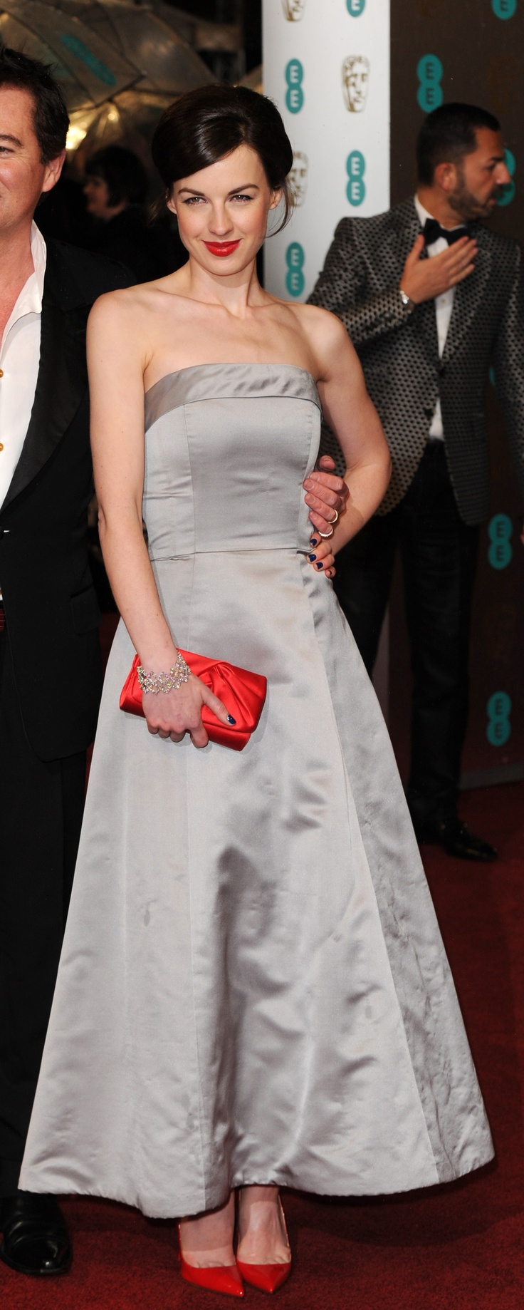 Jessica Raine at the EE British Academy Film Awards 2013 - I love these pops of red!