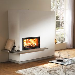 Austroflamm Miu XTRA licluding 75x39 K straight - A beautiful minimalist fireplace with the 75x39K stove with a maximum output of 14kw. This stove also features the unique Xtra heat storing technology.