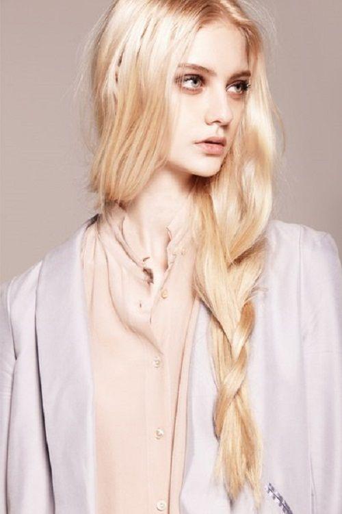 Most beautiful Russian models. Nastya Kusakina. source of photo vk.com/nastya_kusakina