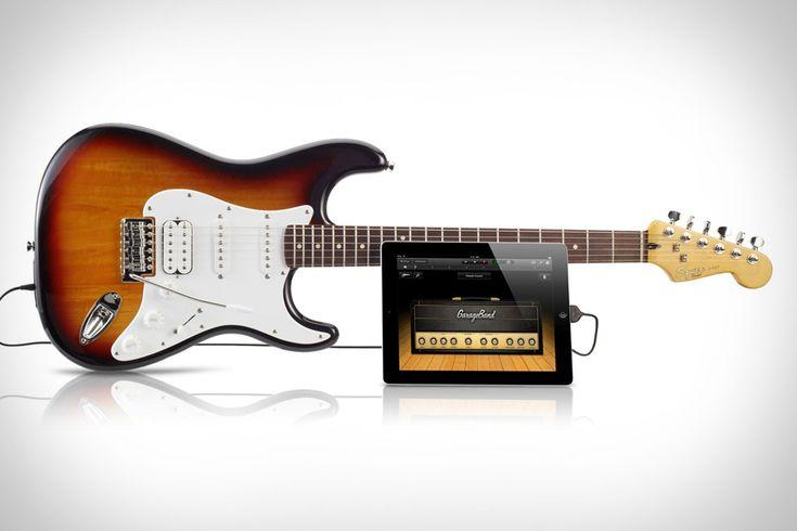 Fender met en vente une guitare conçue pour être utilisée avec l'iPad      Le fabriquant de guitares Fender a décidé de jouer à fond la carte de l'iPad et, plus largement, celle d'Apple.
