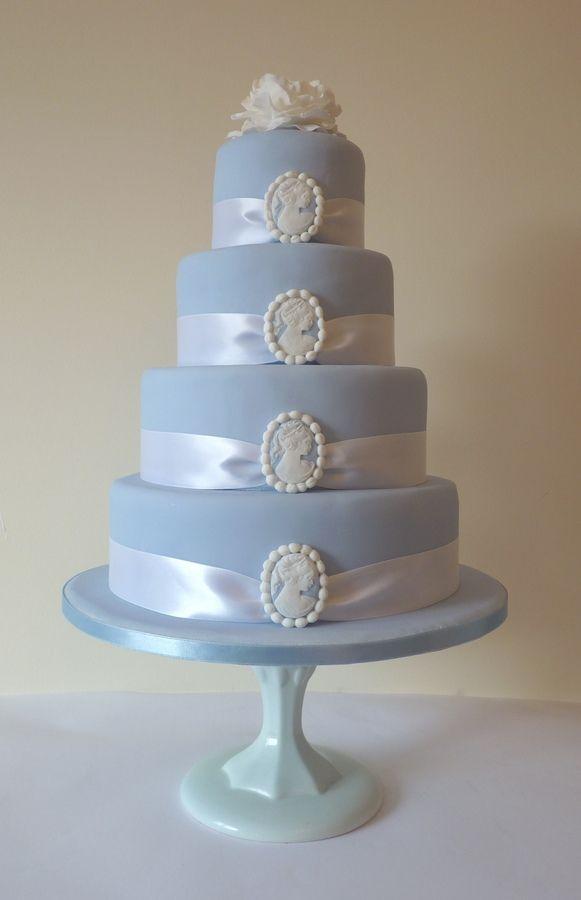 Cameos Cake