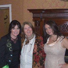 Eilís Kennedy and Pauline Scanlon with Mazz O'Flaherty. www.dinglerecordshop.com