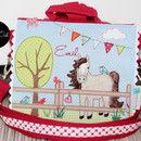 Total hübsche Kindergartentasche mit verschiedenen Applikationen. Auf Wunsch mit Name! Das lässt Kinderherzen höher schlagen...ein eigenes Pferd auf der Tasche ;-) Die Tasche ist...