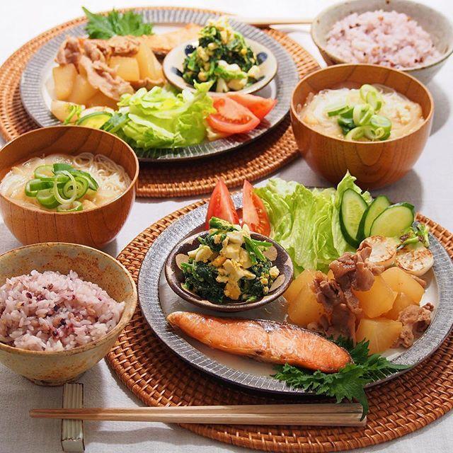 日本人のごはん  Japanese meals  2016/1/31 日 #晩ごはん ・ ✳︎大根と豚肉の甘辛煮 ✳︎焼き鮭 ✳︎ほうれん草と卵のサラダ ✳︎素麺入りお味噌汁 ・ でした〜☺️ ・ コメントお返しお休みします いつもありがとうございます☺️ ・
