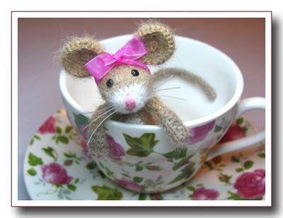 Amigurumi Mouse Pattern Crochet : 123 best crochet mice images on pinterest amigurumi patterns