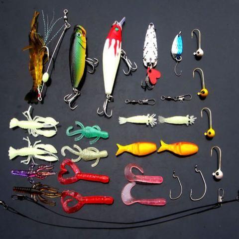 Lot 29Pcs Assorted Fishing Lures Crankbaits Hooks Minnow Bass Baits Tackle+Box
