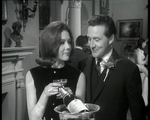 emma peel (diana rigg) & john steed (Patrick macnee) - champagne