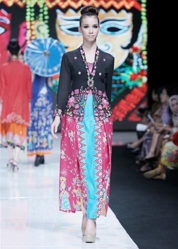 Rumah Betawi: Jakarta Fashion Week Spring/Summer 2013