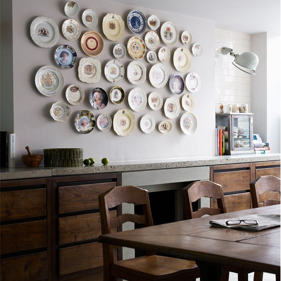 ...I will have one wall completely, and totally, covered in vintage plates.  And they will hang ever-so-perfectly.