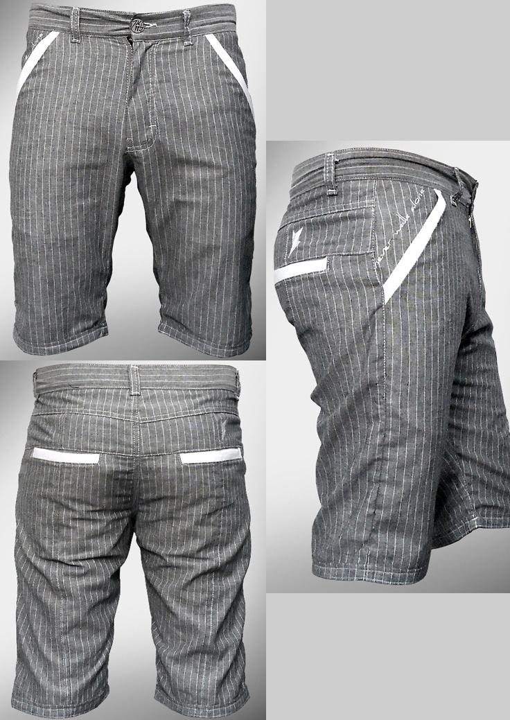 Desarrollo de producto para la marca DKS DIUKAS: Bermuda (Tela a rayas de estilo formal pero con unas aplicaciones en color blanco y unos cortes se vuelve atractivo y casual)