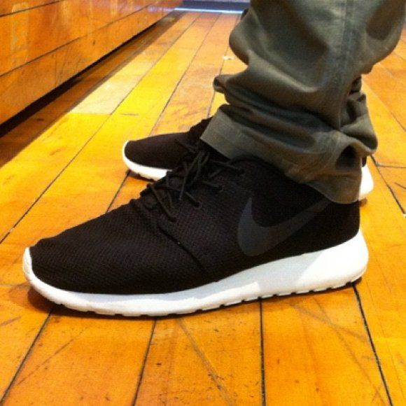 Pas Cher Nike Roshe Courir Hommes À Pied