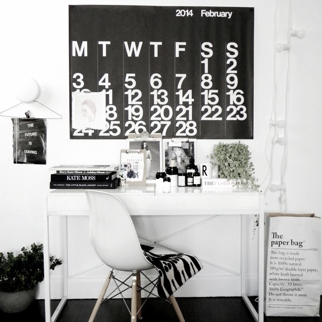 [repin: partner.arise.com] Contemporary and simple home office.