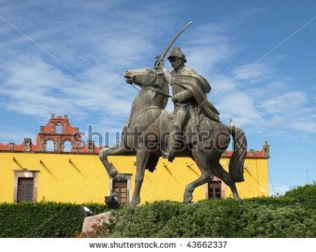 Statue of Ignacio Allende in Plaza Civica.
