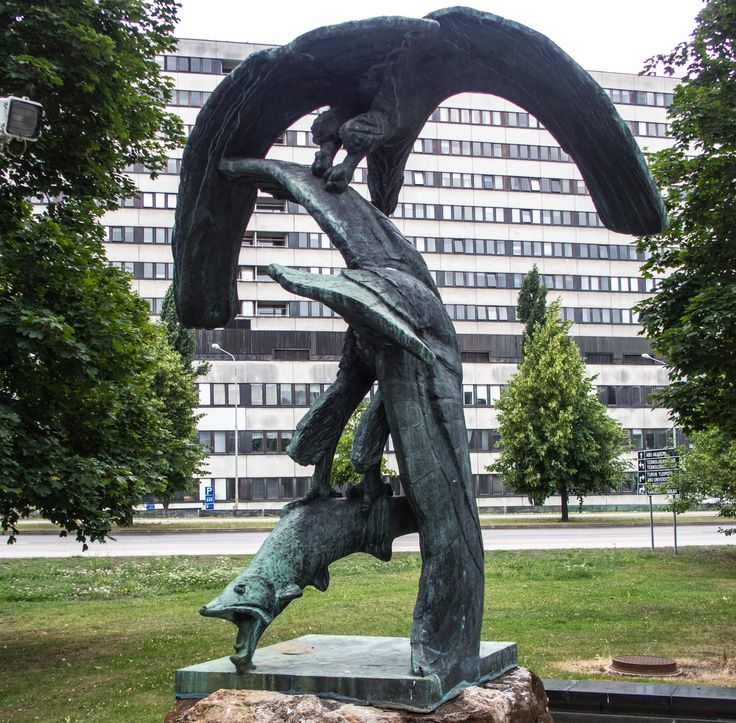 Jussi Mäntynen: Sea Eagles. The material of the sculpture is bronze, the…