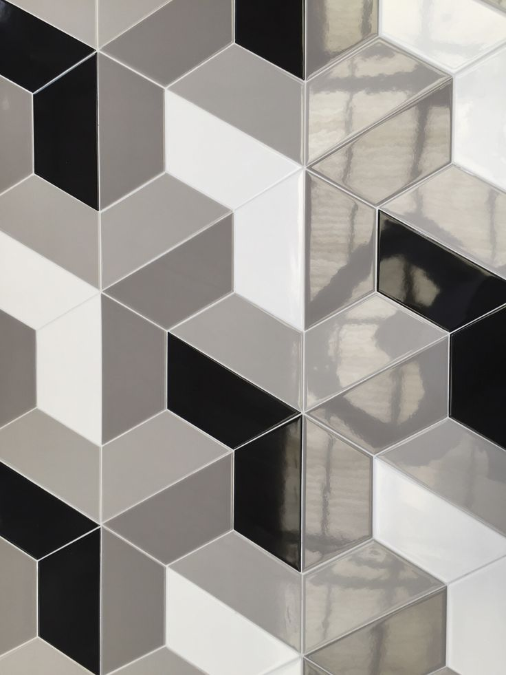 Trapez di Tonalite. 10 colori glossy e 10 colori matt consentono al designer un numero infitito di combinazioni di posa. Cersaie 2016