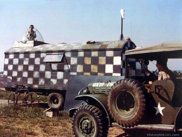 """[AIRFIX] + scratch Bedford QL """"Mobile air traffic control"""" (FINI) 99310a68a32d763471293632f1a2b3c7--war-machine-plexiglass"""