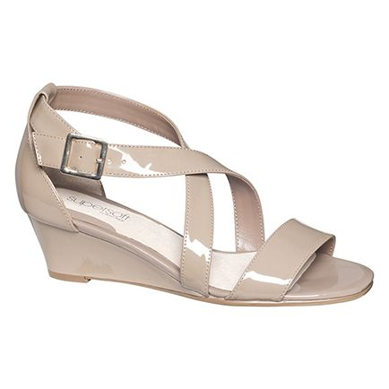 Nude patent wedge