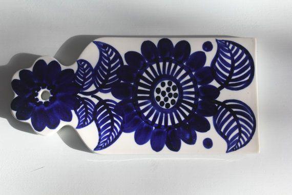 Arabia Finland Köökki board/trivet designed by Gunvor Olin-Grönqvist, handpainted