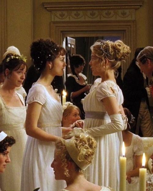 Keira Knightley as Elizabeth Bennet and Rosamund Pike as Jane Bennet in Pride and Prejudice