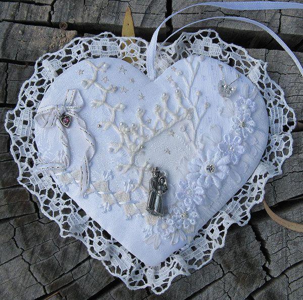 Les 25 meilleures id es concernant coussin en forme de c ur sur pinterest o - Tete de lit en forme de coeur ...