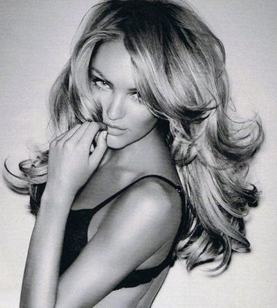 Candice Swanepoel looks amazing in this #southerncomfort