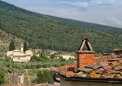 Veduta della chiesa di Querceto Sesto Fiorentino #TuscanyAgriturismoGiratola