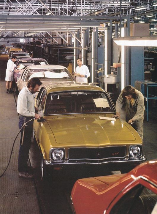 Pinterest : @MazLyons Holden Torana production line