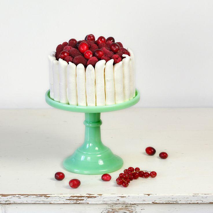 Cakes in the city: Vacherin* de Noël aux fruits rouges