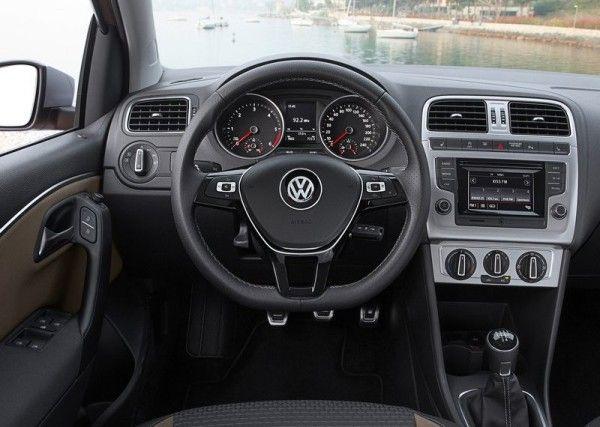 2014 Volkswagen CrossPolo Instrument Panel Photos 600x427 2014 Volkswagen CrossPolo Review, Specs and Quality