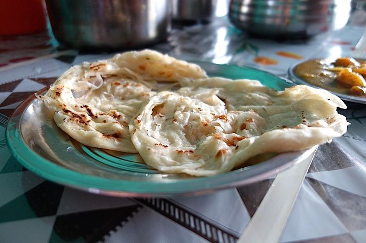 Kerala paratha - Parotta - Authentic video recipe filmed in a street restaurant in India (source: my personnal food and travel blog / vlog with recipes, authentic video recipes, street food, food and travel documentary, travel info and more. Welcome! :) )