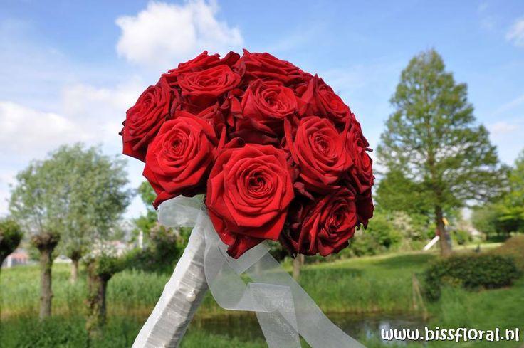 Voor je ultieme bruiloft... http://www.bissfloral.nl/blog/2014/03/17/voor-je-ultieme-bruiloft/
